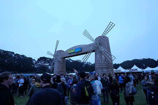 outside-lands crowd-8