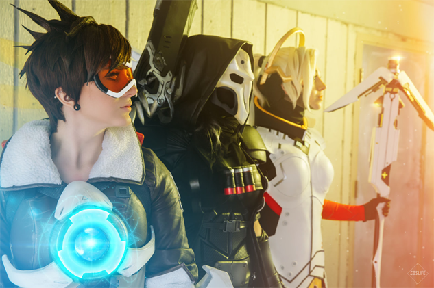 overwatch-cosplay oshley--bloodraven--sirena-together