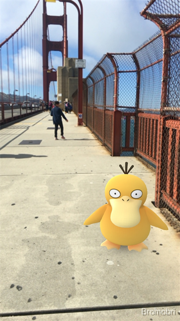 pokemon-go-photos golden-gate-psyduck