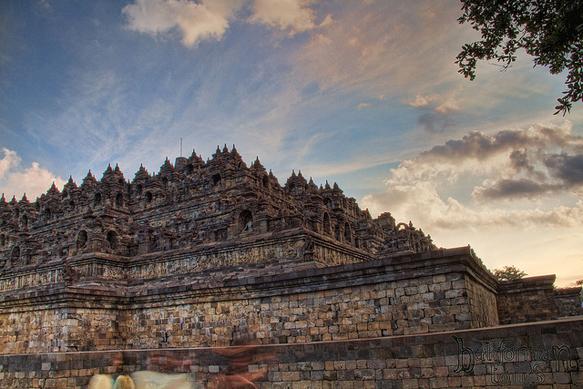 pyramids borobudur-indonesia-pyramid