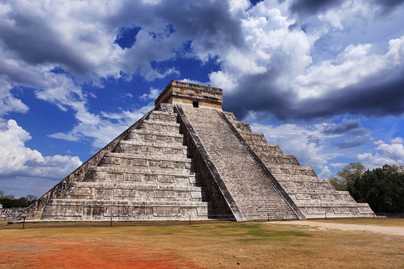 pyramids chichen-itza
