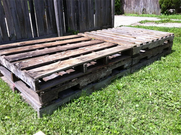 raised-bed-how-to 2palletstack