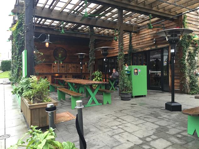 raleigh-beer-garden img-7449