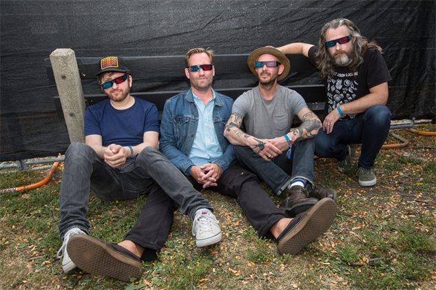 riotfestportraits minus-the-bear