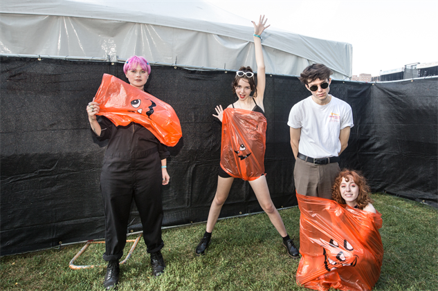 riotfestportraits the-regrettes