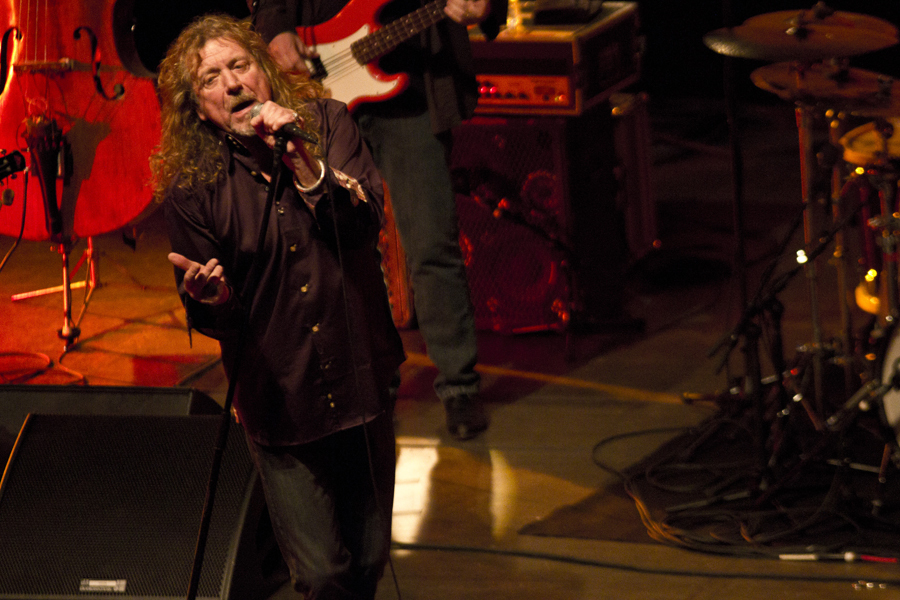 robert-plant-and-the-band-of-joynorth-mississippi-allstars photo_3058_0