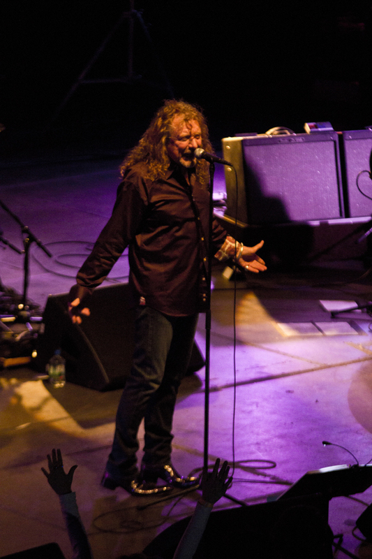 robert-plant-and-the-band-of-joynorth-mississippi-allstars photo_3060_0-3