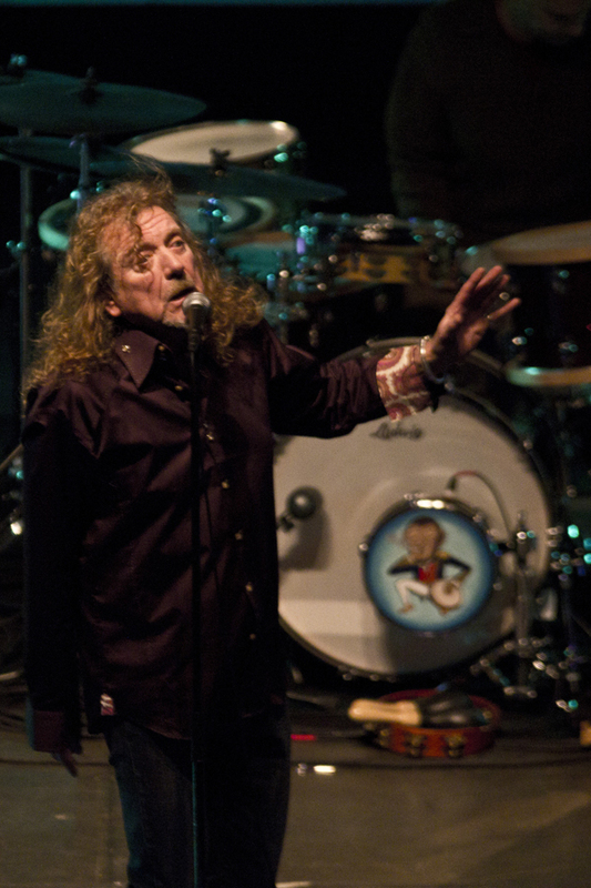 robert-plant-and-the-band-of-joynorth-mississippi-allstars photo_3061_0-2