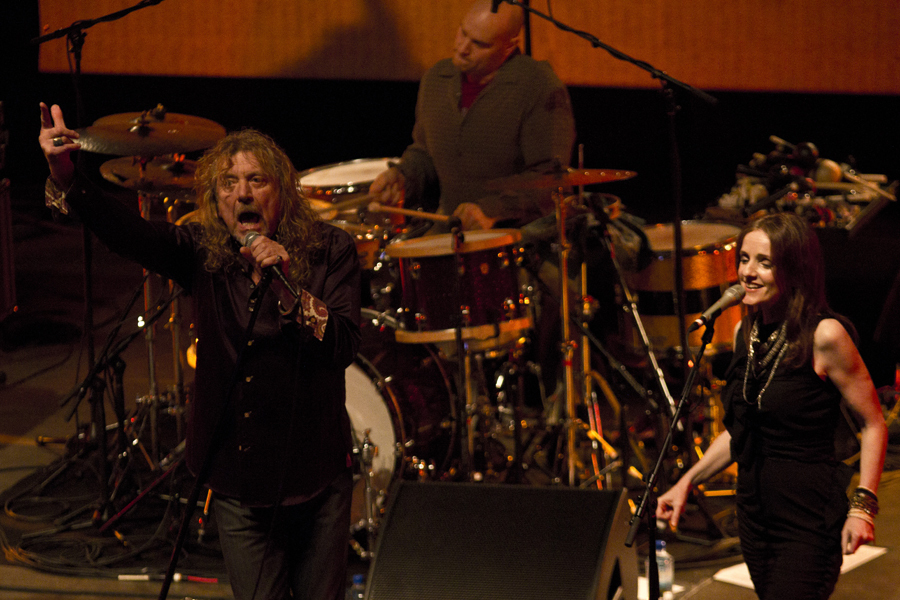 robert-plant-and-the-band-of-joynorth-mississippi-allstars photo_3061_0