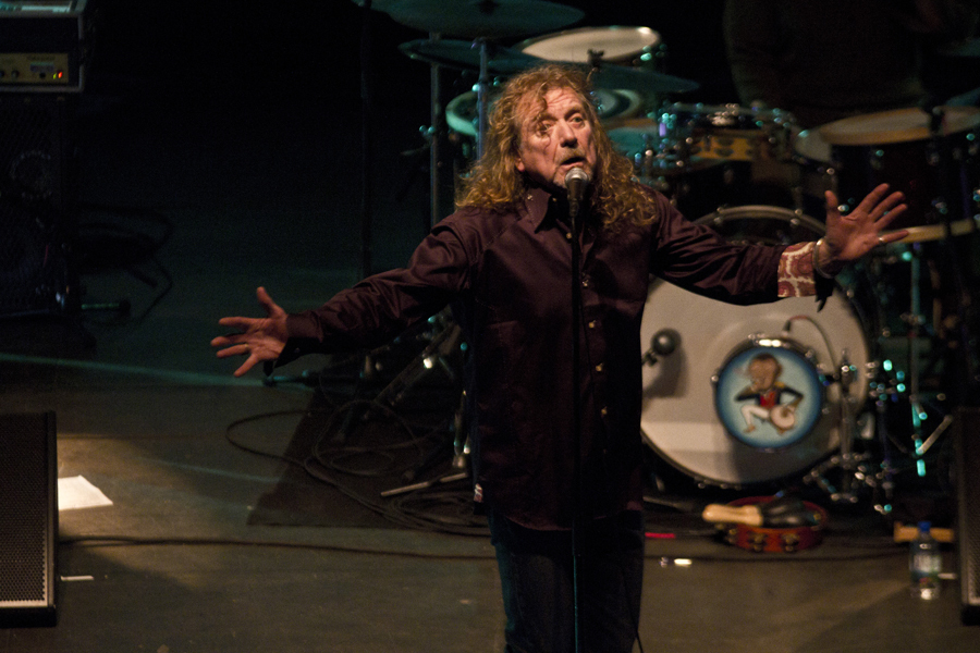 robert-plant-and-the-band-of-joynorth-mississippi-allstars photo_3063_0