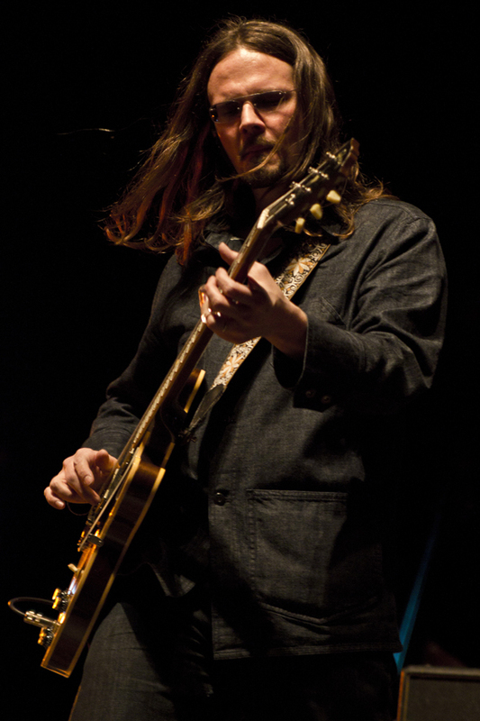robert-plant-and-the-band-of-joynorth-mississippi-allstars photo_3064_0-4