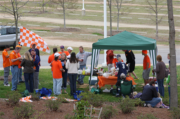 sept-food-holidays 25-tailgating-day