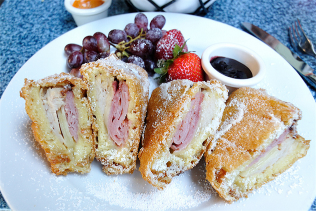 sept-food-holidays 8-monte-cristo