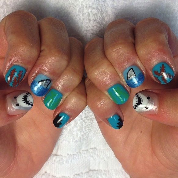 shark-nails sharknailart-channiepoo2