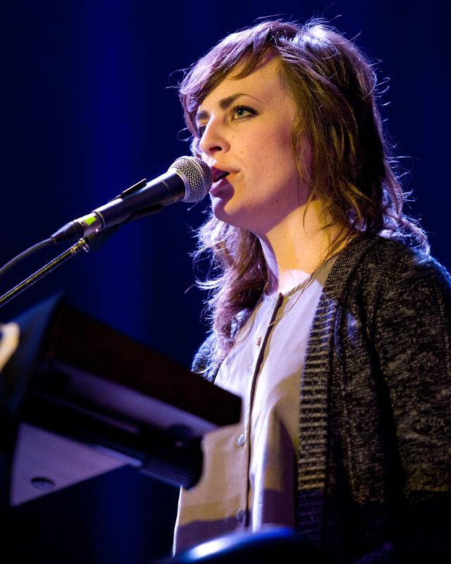 sharon-van-etten-2012 photo_12369_0-3