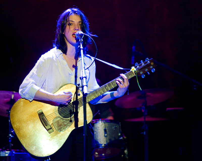 sharon-van-etten-2012 photo_12370_0-3