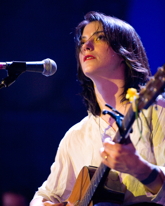 sharon-van-etten-2012 photo_24641_0-3
