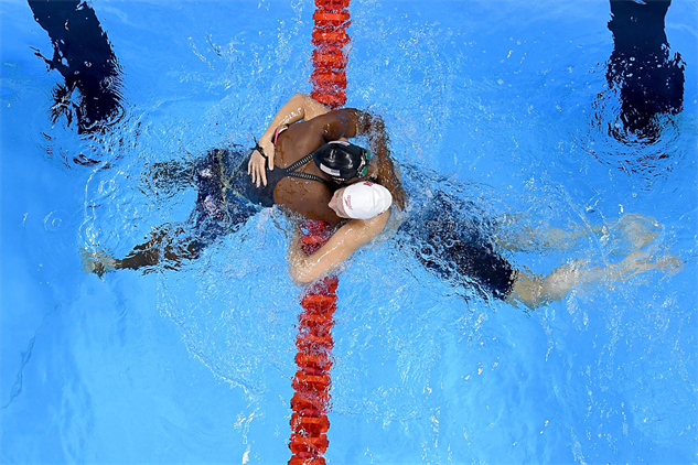 simone-manuel-victory gettyimages-588638360