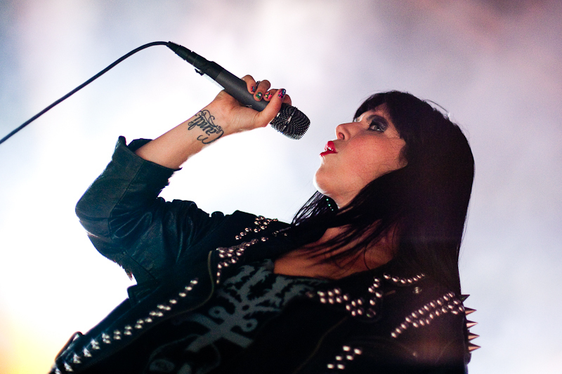 sleigh-bells-hot-chip photo_26061_0-16