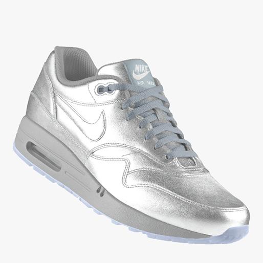 sneaker-gift-guide sneaker-head-19