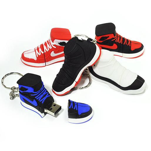 sneaker-gift-guide sneaker-head-9