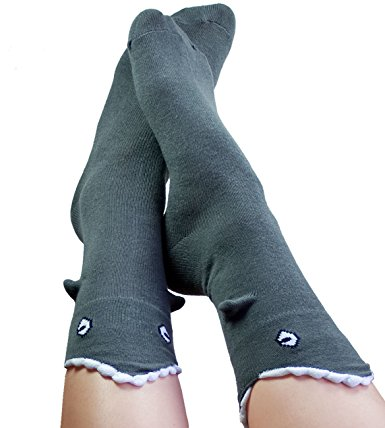 sneaky-novelty-socks shark