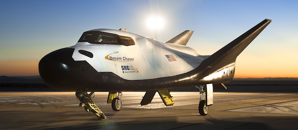 spaceships-in-the-making dream-chaser