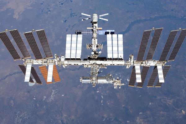 spaceships international-space-station