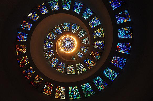 stained-glass chapel-of-rhanksgiving-glory-window-dallas