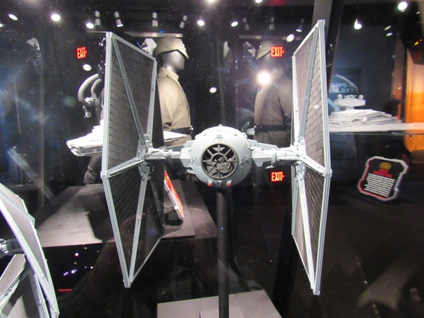 star-wars-launch-bay season-of-the-force-06