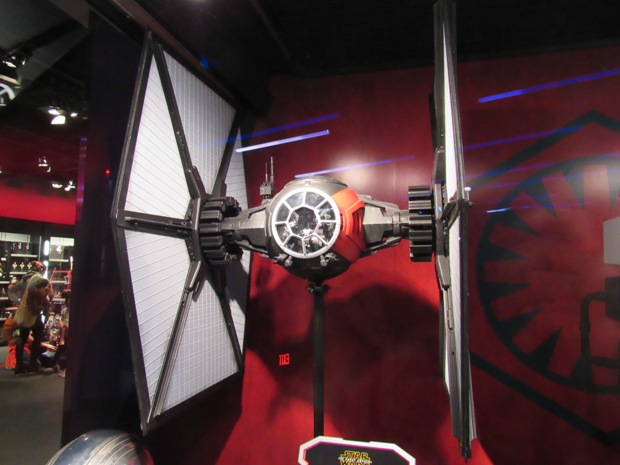 star-wars-launch-bay season-of-the-force-17