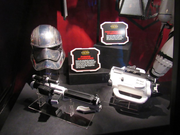 star-wars-launch-bay season-of-the-force-18