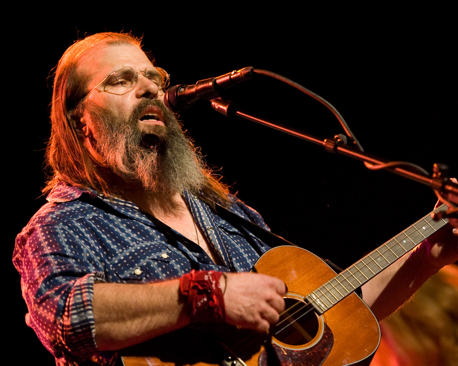 steve-earle photo_15737_0-30