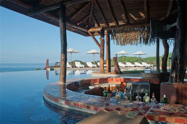 swim-up-bars harrys-bar-hotel-punta-islita-costa-rica