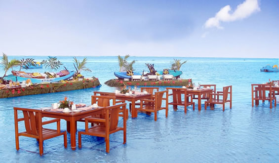 The World 39 S Most Enticing Swim Up Bars Drink Galleries Paste