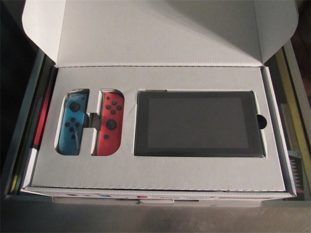 switch-unboxing nintendo-switch-unboxing-08