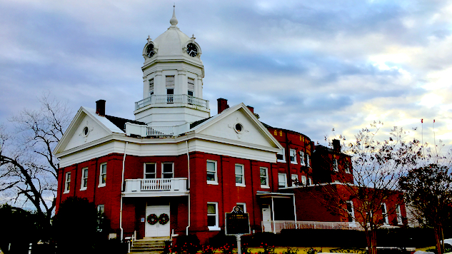 take-five-literary-capitals-of-the-deep-south old-monroe-county-courthouse---courtesy-of-mitzi-woodson