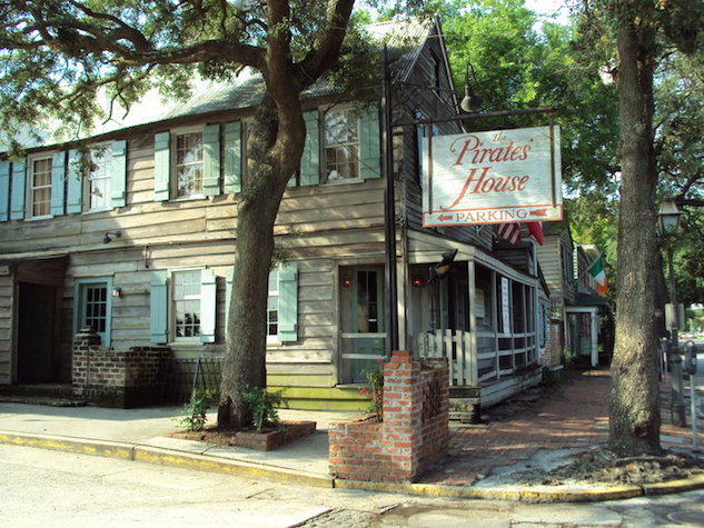take-five-literary-capitals-of-the-deep-south pirates-house---courtesy-of-pirates-house