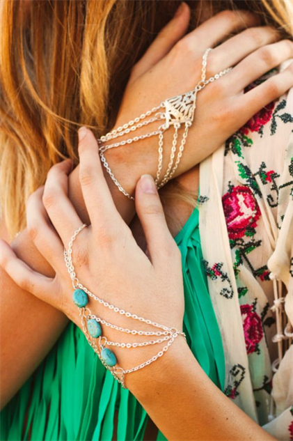 The Best Turquoise Ear Cuffs and Hand Chains Style Galleries