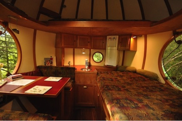 tiniest-hotel-rooms spheres