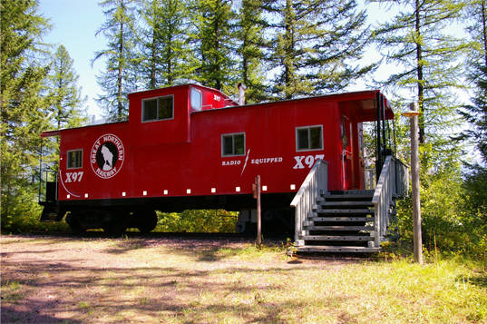tiny-house-hotels izaak-walton-caboose