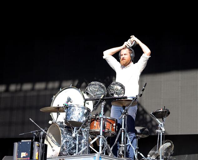 voodoo-day-1 bear-hands-drummer