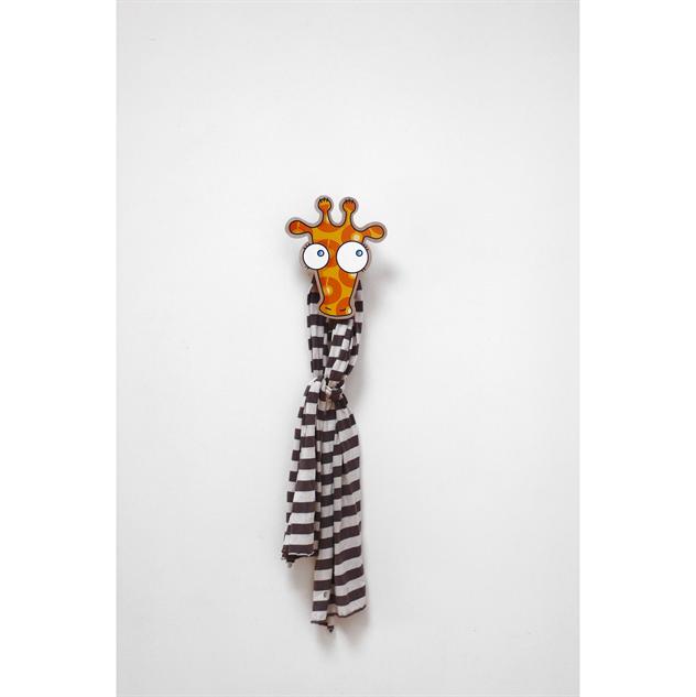 wall-mount-coat-hooks giraffe