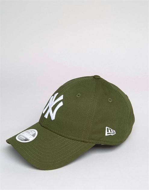 wear-pantone 9-forty-cap