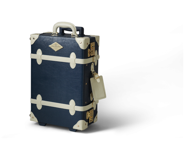 weekender-bags clipped-navy-ent-carryon-1