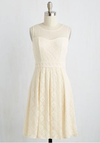 white-wedding-dresses chantilly