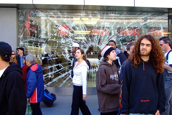 windows apple-store-roger-jones