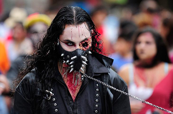 zombie-walk-mexico photo_10636_0-2